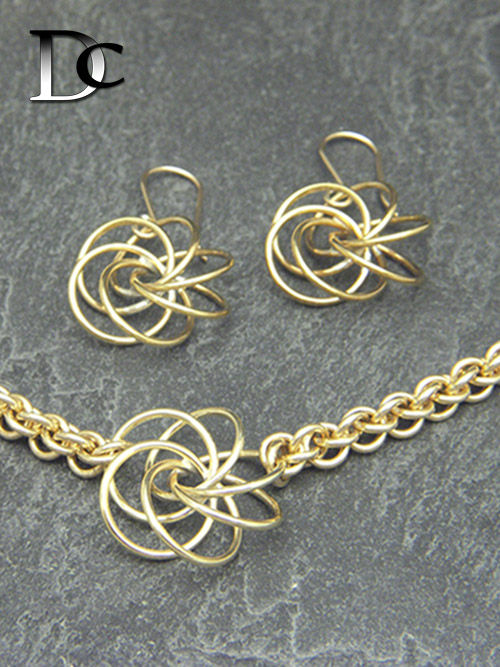 6-ring Propeller Necklace